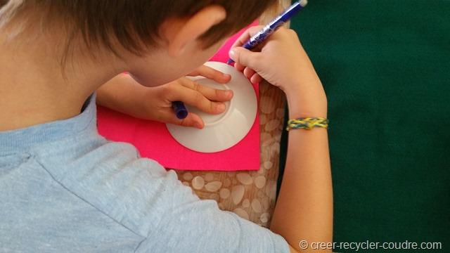 Couture enfant_dessiner le coutour de la sous-tasse  pour le donut