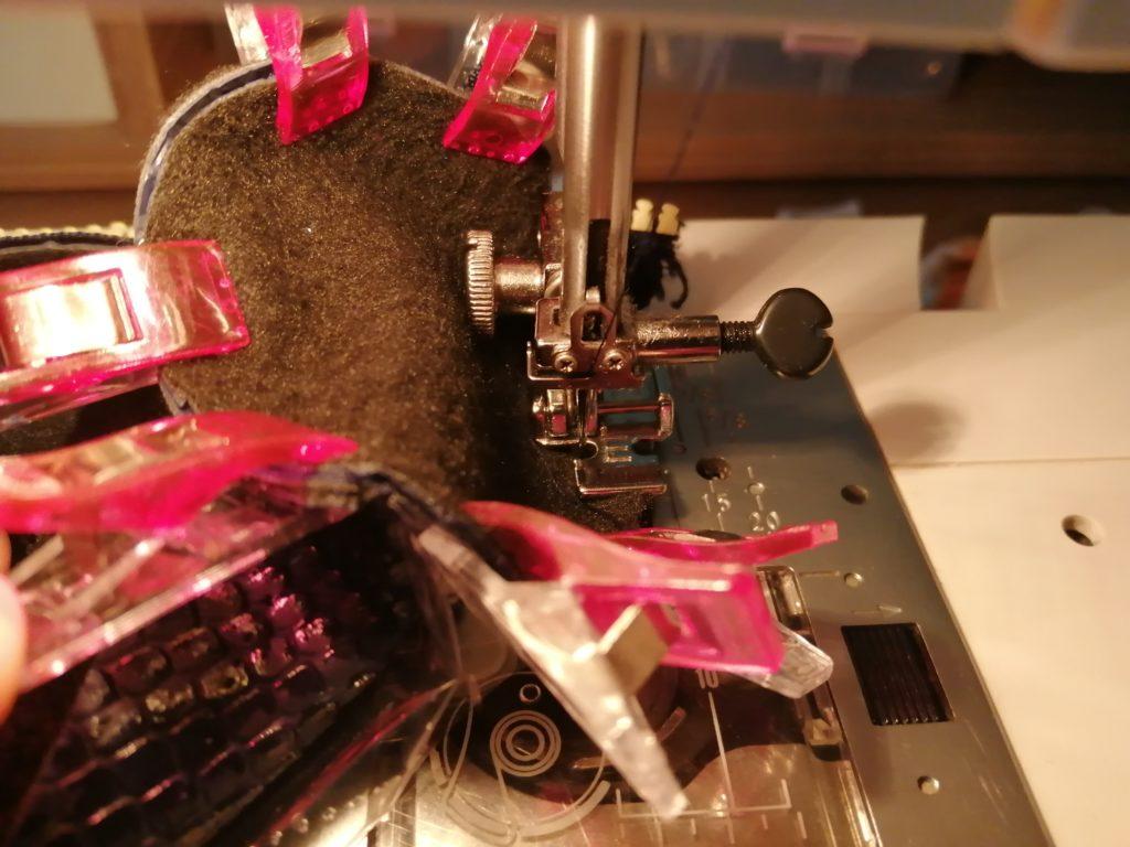 Cousez les disques de coté à 0,5 cm du bord