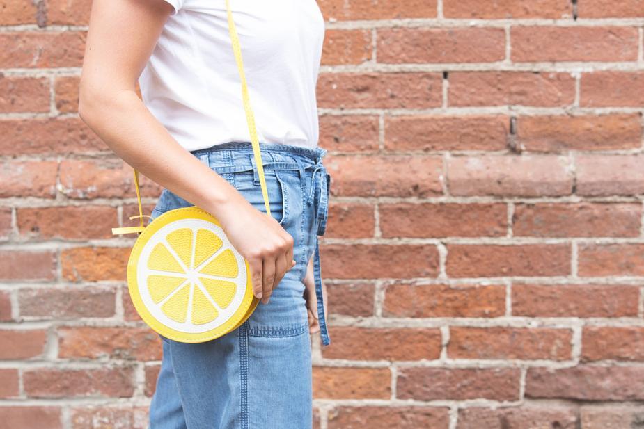 sac à main en forme de citron