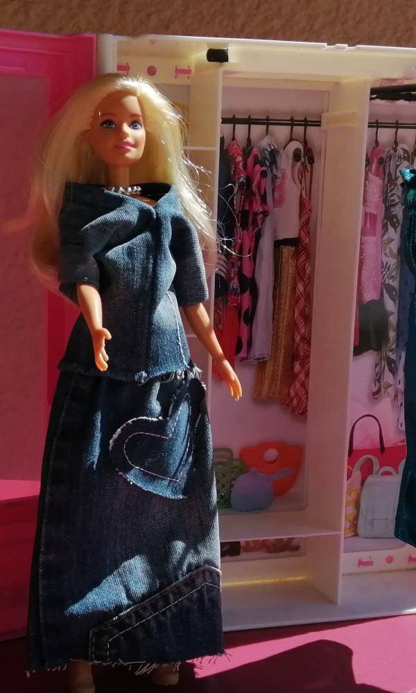Ensemble haut + jupe barbie